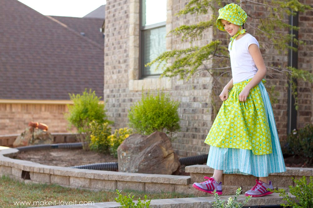 A Simple DIY Prairie Girl (or Pioneer) Costume | via Make It and Love It