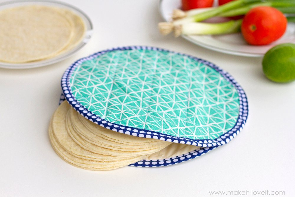 Fabric Tortilla Warmer (...that's microwave safe!) | via Make It and Love It