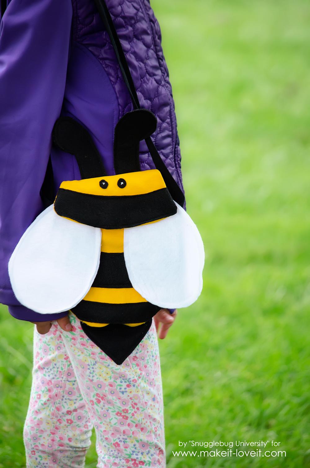 How to make a Kid's BUMBLEBEE Cross-Body Bag | via makeit-loveit.com
