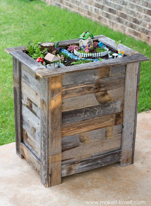 DIY Reclaimed Wood Planter Box for an upright Fairy Garden | www.makeit-loveit.com