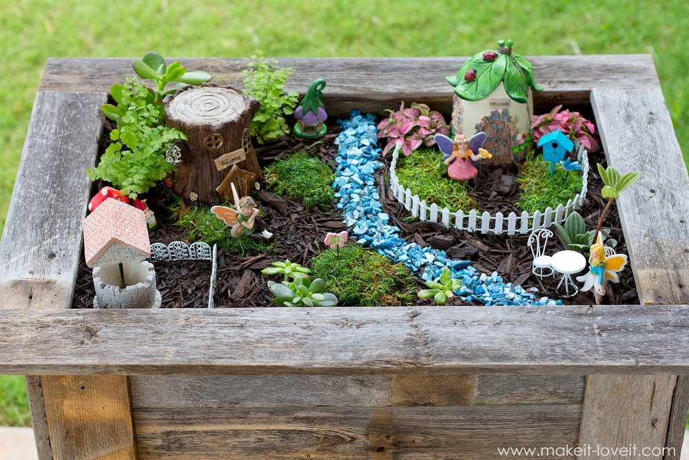 Diy Reclaimed Wood Planter Box For An Upright Fairy