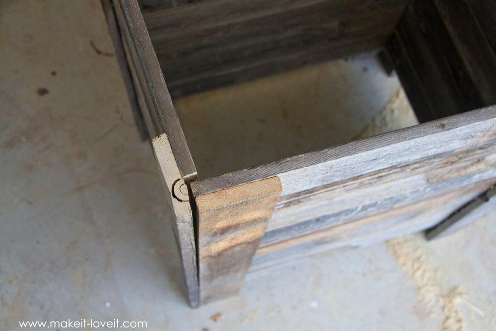 DIY Reclaimed Wood Planter Box (...for an upright Fairy Garden!) | makeit-loveit.com