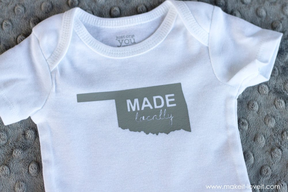 A QUICK Homemade Baby Gift (...digital files included!) | via makeit-loveit.com