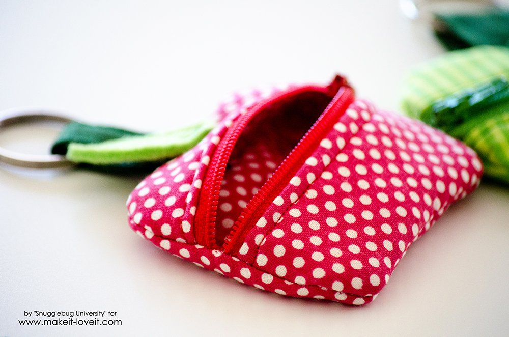 Lunch Money Apple Zippered pouch tutorial (8)