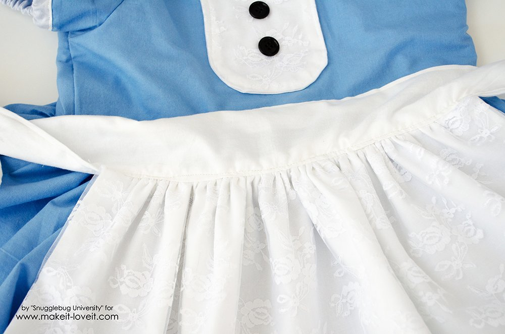 Alice in Wonderland Costumes for the Whole Family (25)
