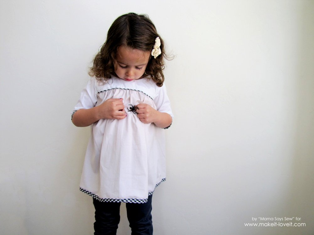 Sweet Child's Dress Tutorial (...FREE pattern pieces included!) | via makeit-loveit.com