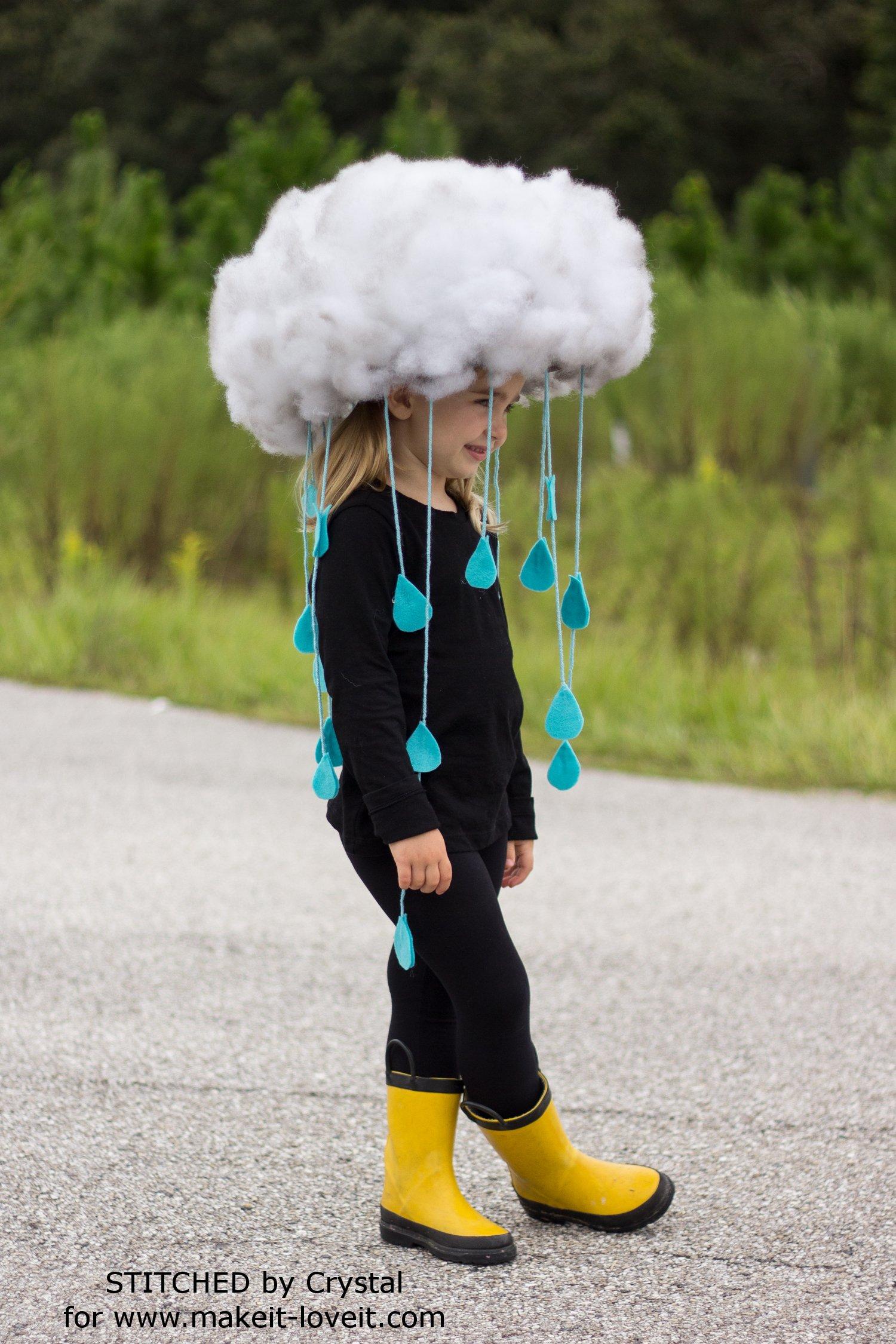 Make a quick & easy RAIN CLOUD COSTUME...for all ages! | via makeit-loveit.com