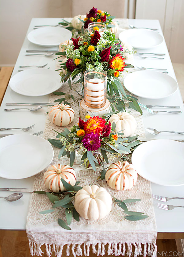 thanksgiving-table-17 & 26 Lovely Thanksgiving Table Decor and Place Setting Ideas | Make It ...
