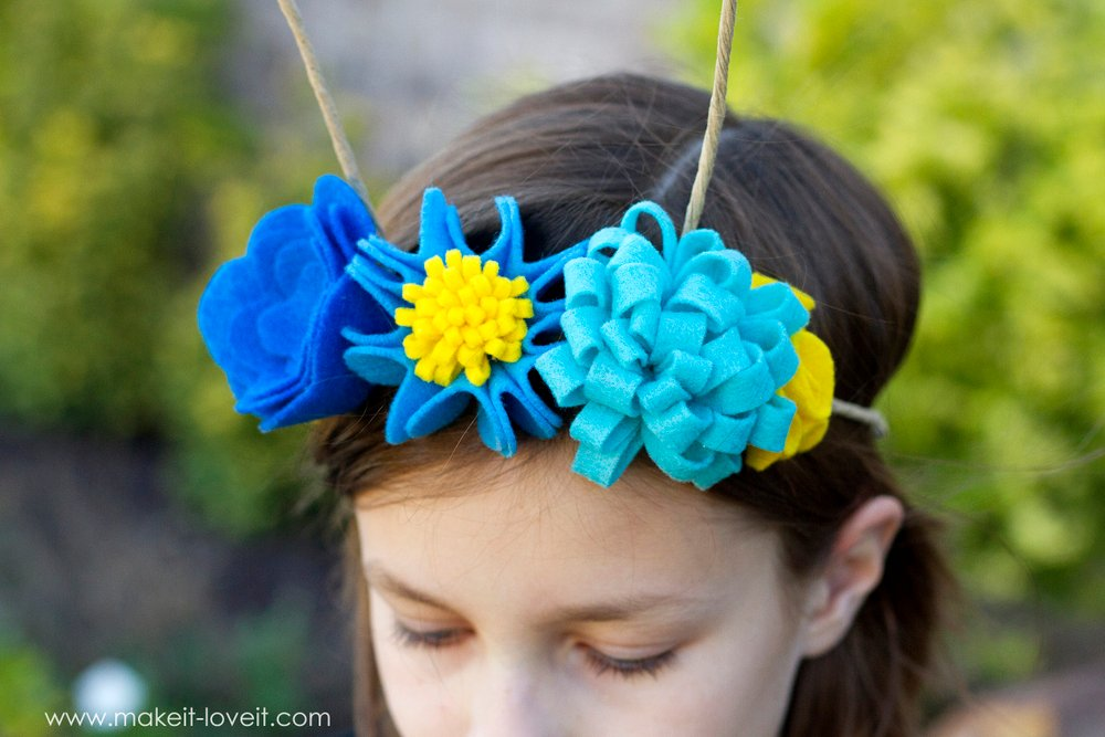 DIY Flower Antennae Headband (...to match the Large Wing Butterfly Costume) | via www.ashley1.mystagingwebsite.com