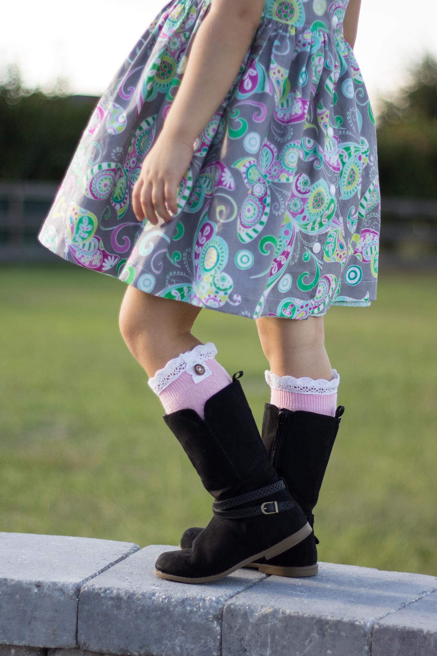 DIY Boot Socks...2 easy methods! | via makeit-loveit.com