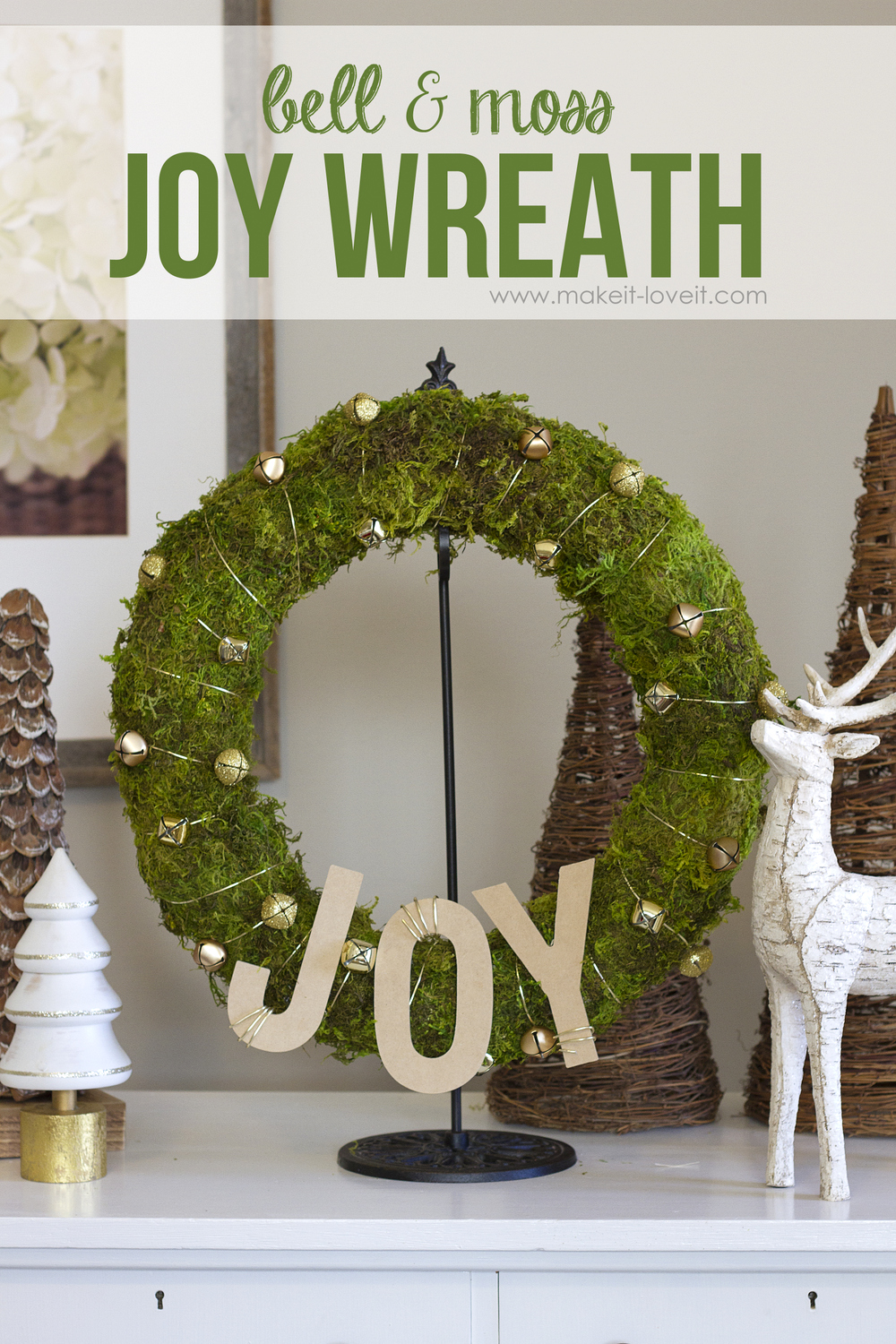 Make a simple bell & moss joy wreath
