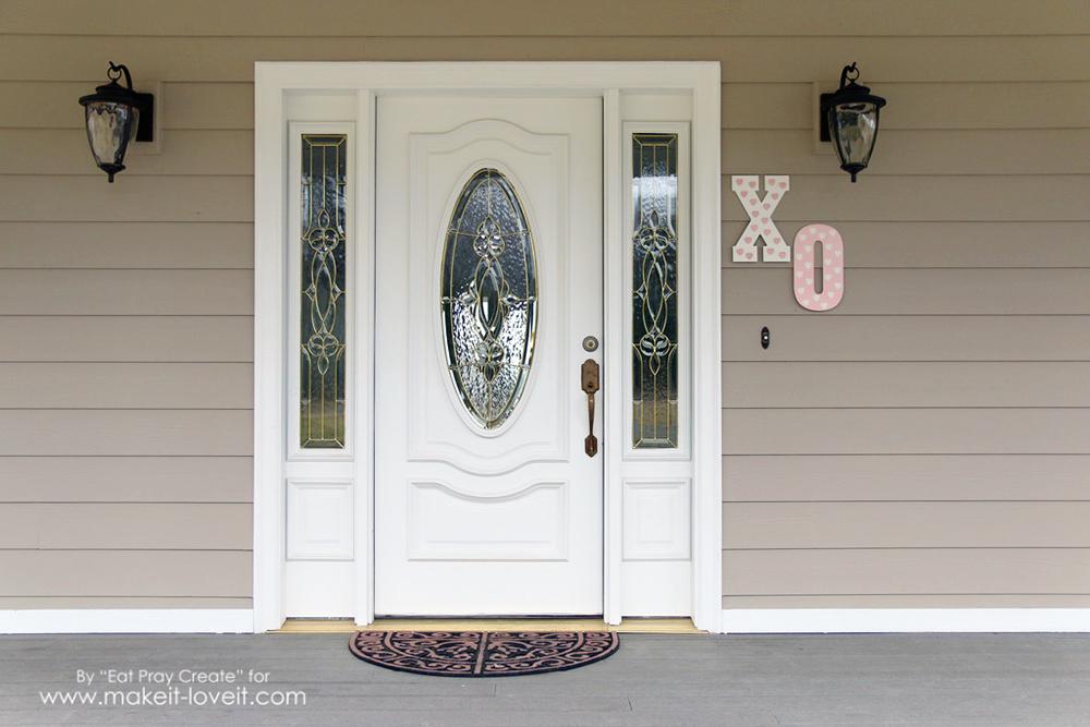 'XO' Valentine Home Decor Tutorial | via makeit-loveit.com
