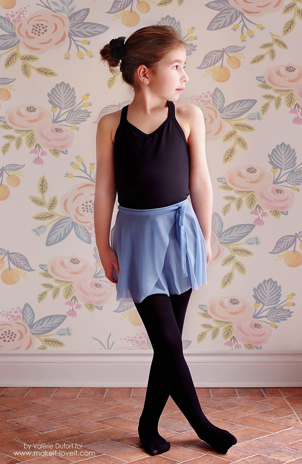Easy Ballet Wrap Skirt Tutorial | via makeit-loveit.com
