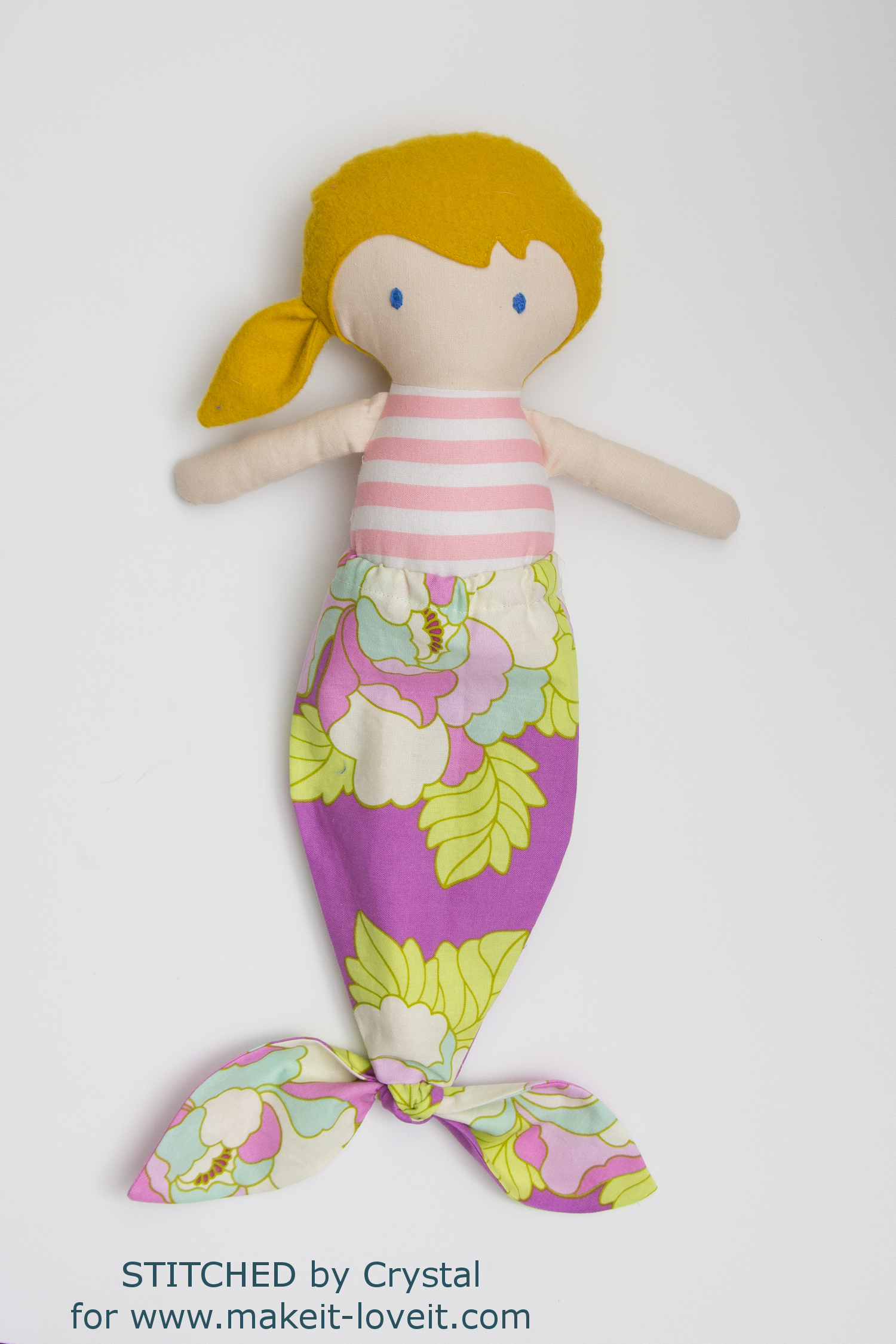 Sew a Mermaid Tail For Any Size Doll! | via makeit-loveit.com
