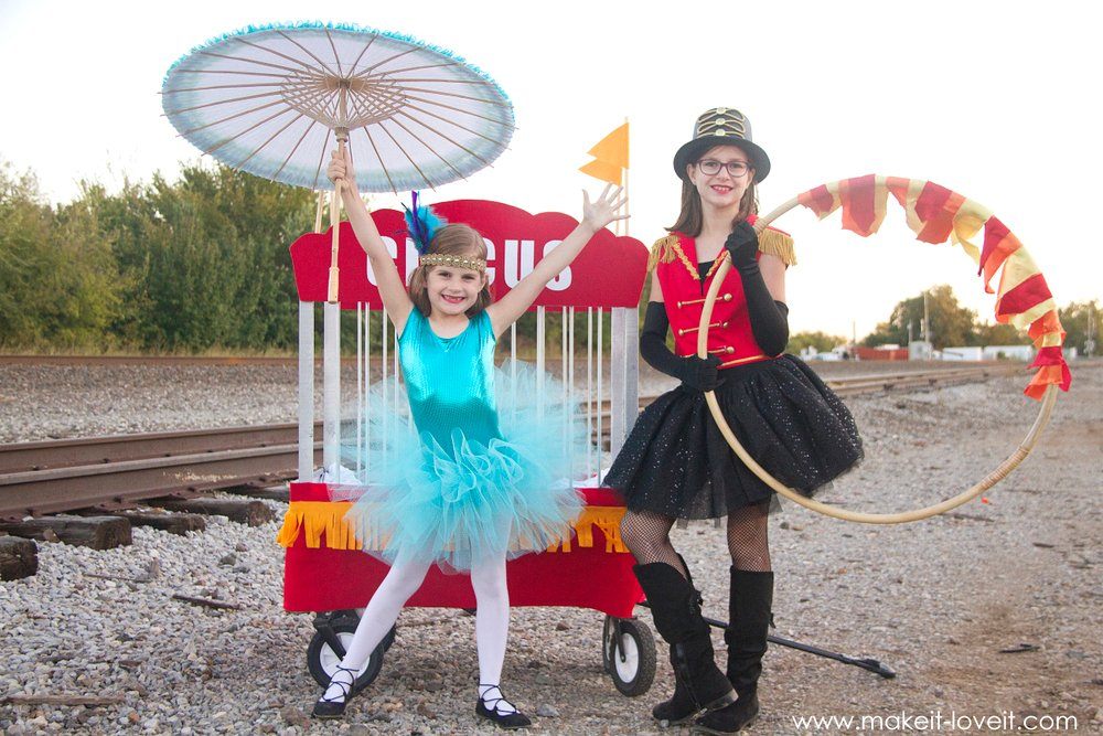 Diy circus themed costumesl 5 kids plus a video make it how to make circus themed costumes tight rope walker lion tamer solutioingenieria Image collections