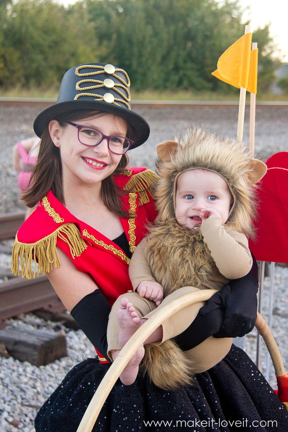 DIY CIRCUS Themed Costumes, lion tamer and lion