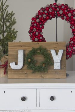 Make a MINI JOY WREATH wall hanging