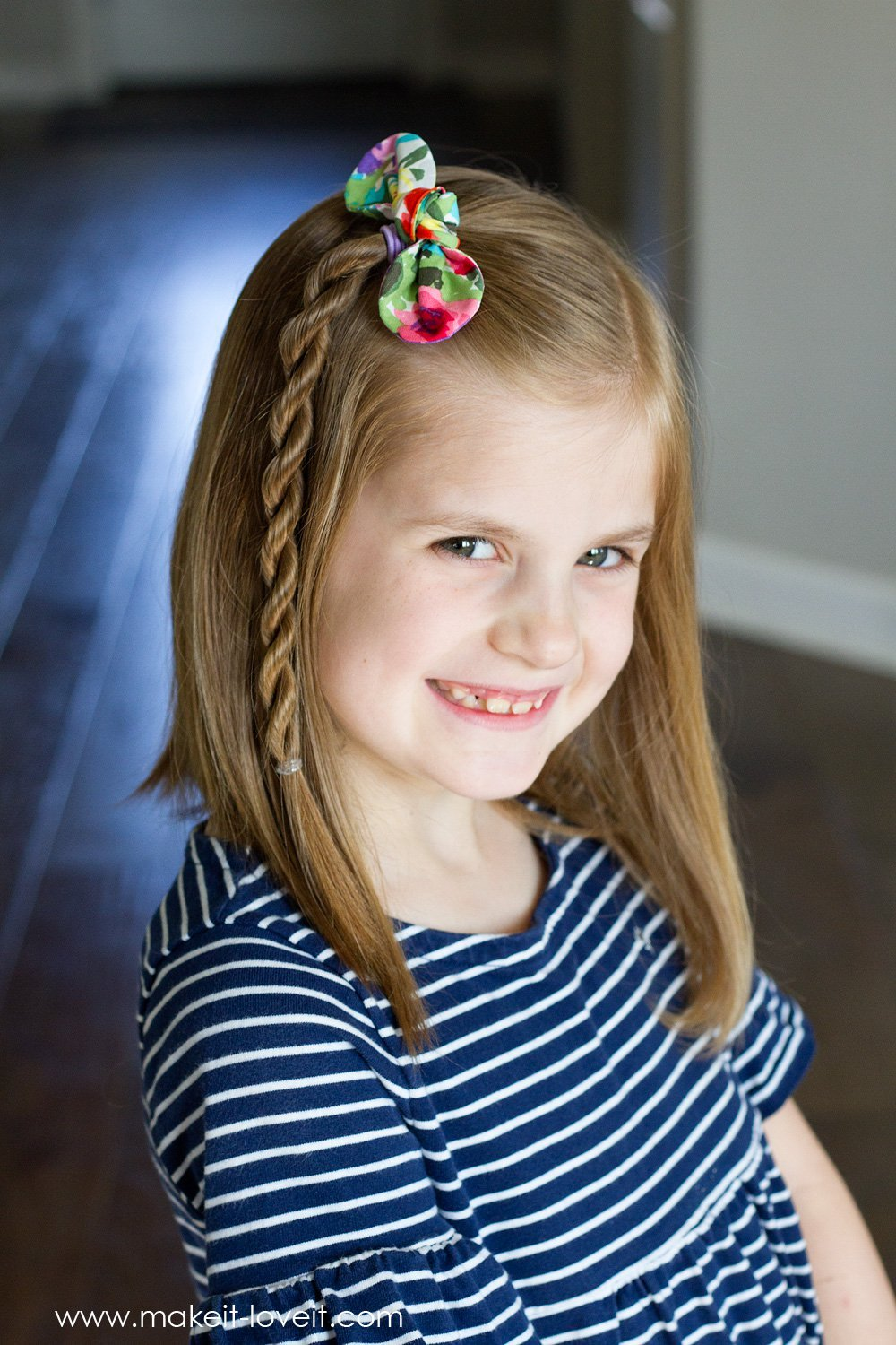 Fabric knot hair bows and hairstyles 2