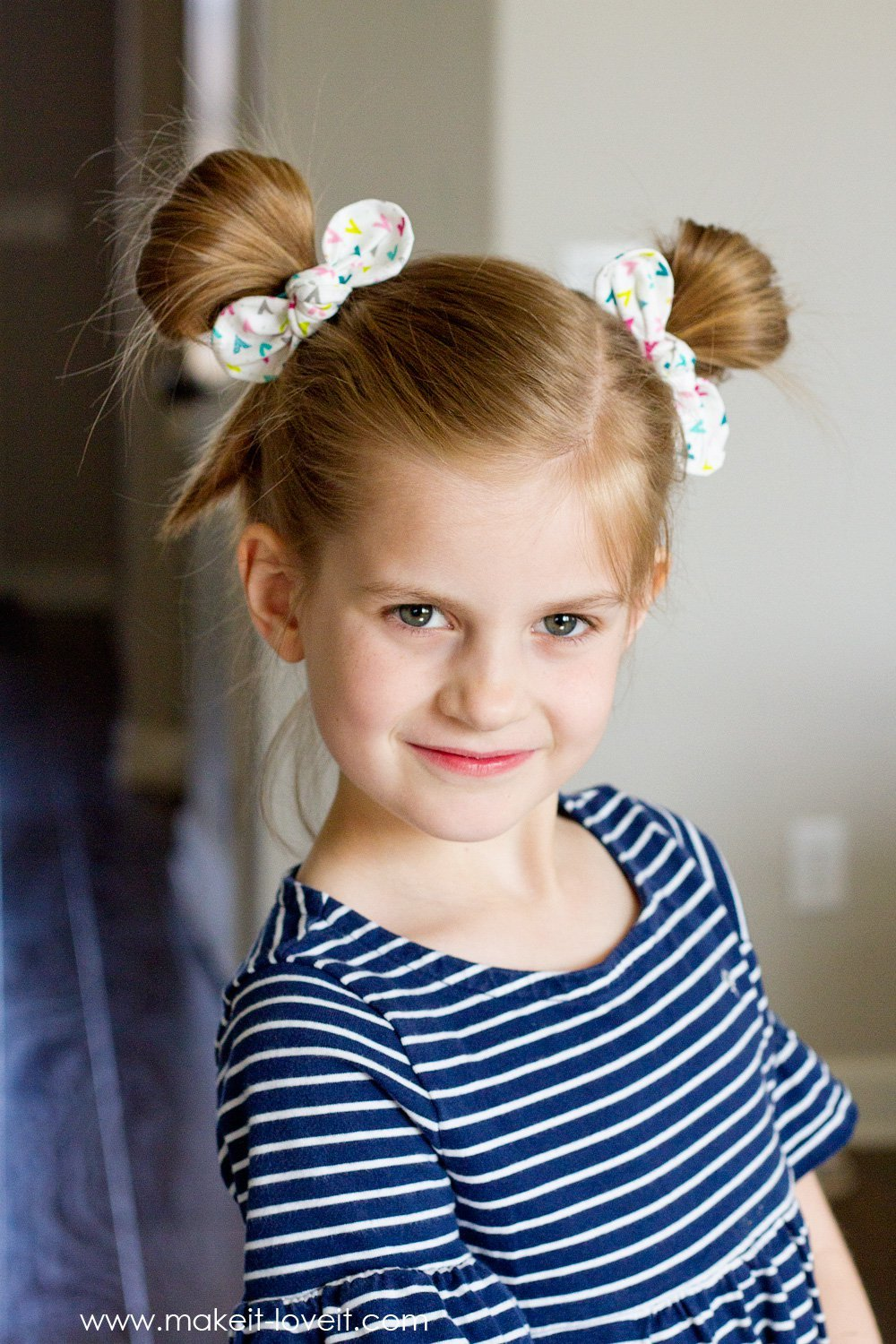 Fabric knot hair bows and hairstyles 3