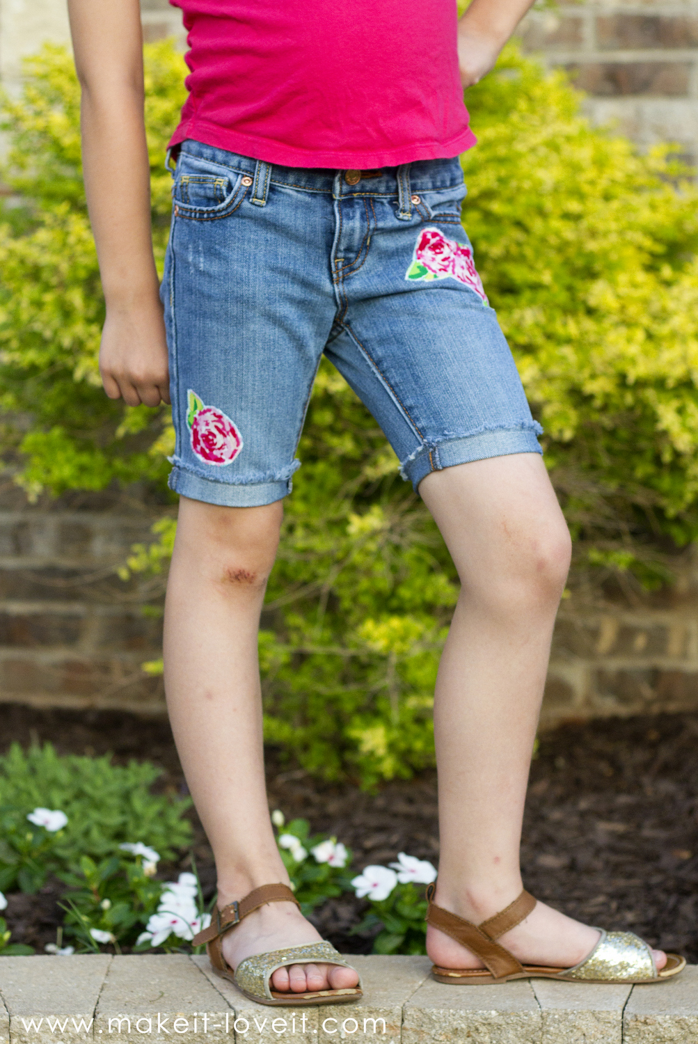 How to turn jeans into shorts (…with lace, trim, and embellishments!)