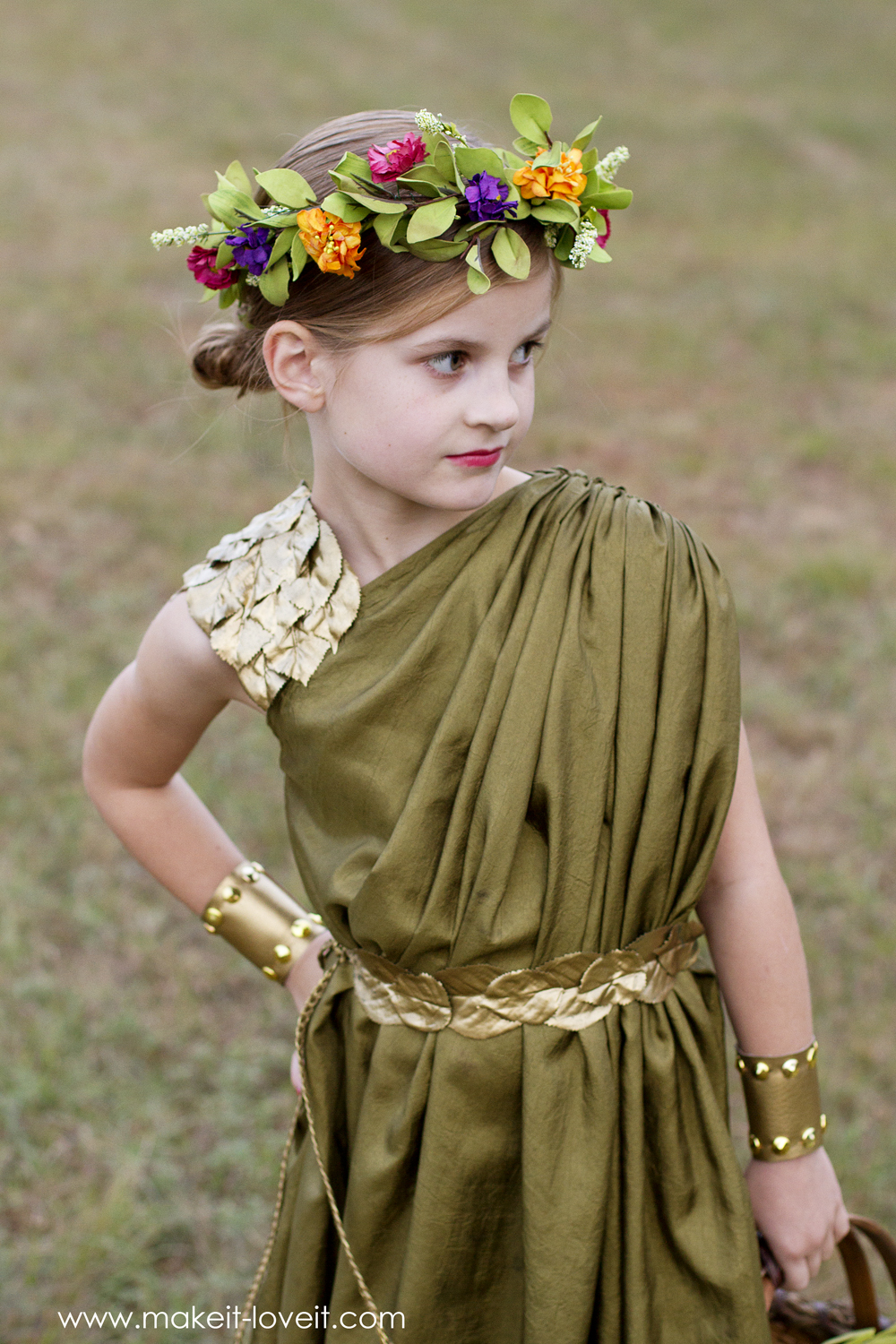 Diy greek goddess costume: demeter