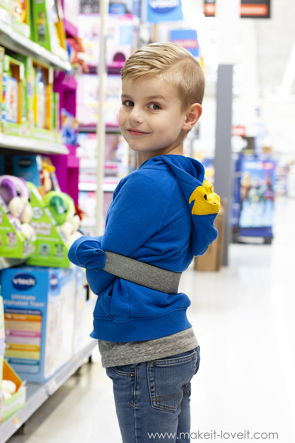 "The ""don't-touch-anything"" jacket…for kids!!"