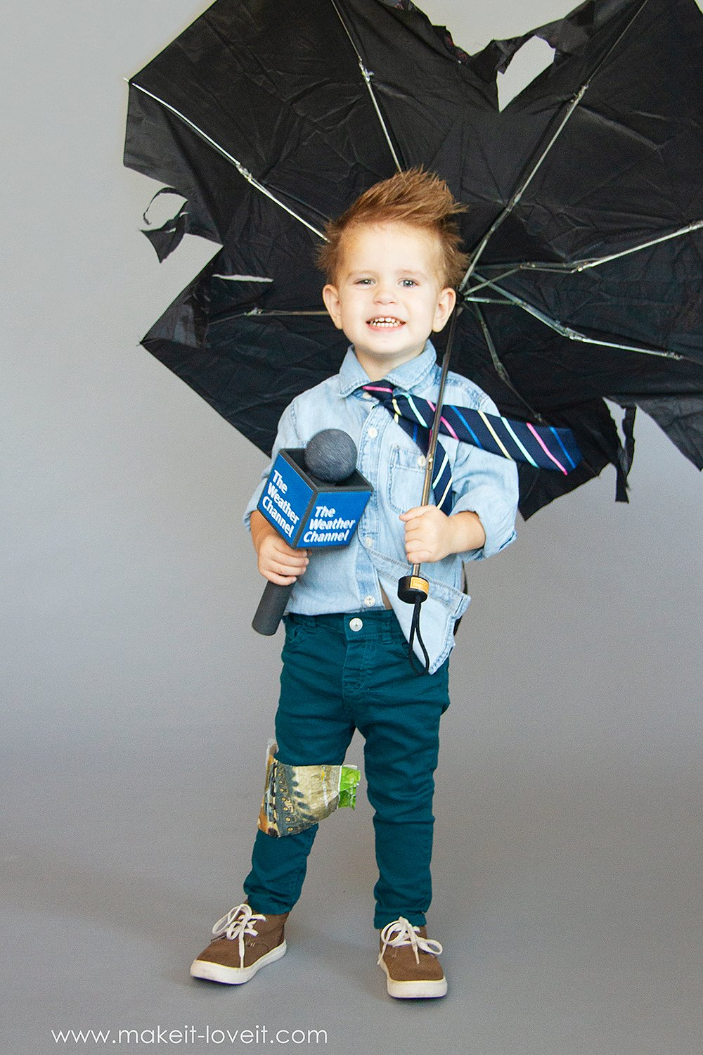 How to make a no sew weatherman costume 2