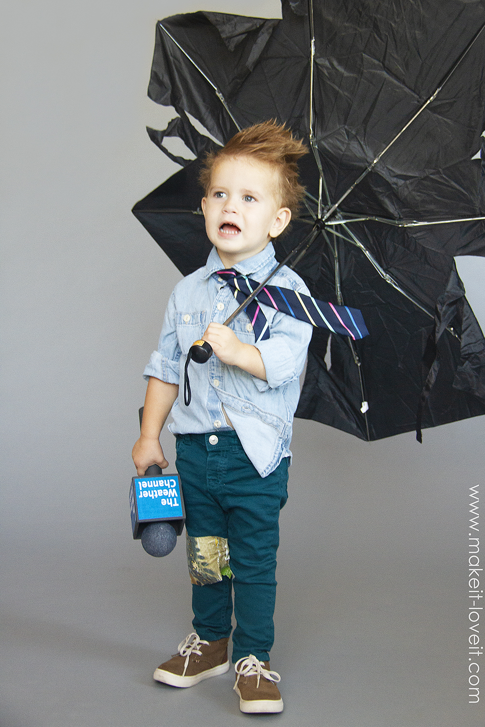 How to make a no sew weatherman costume 3