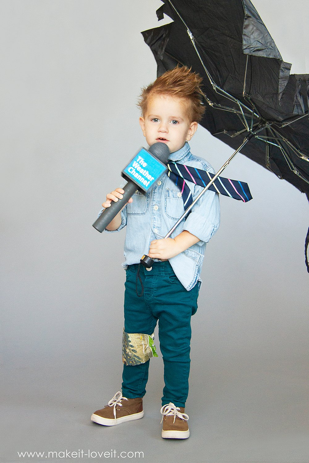 How to make a no sew weatherman costume 5