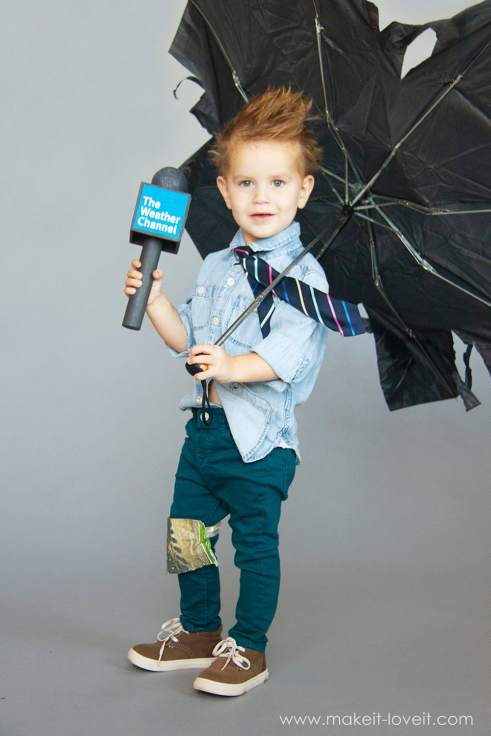 How to make a no sew weatherman costume 7