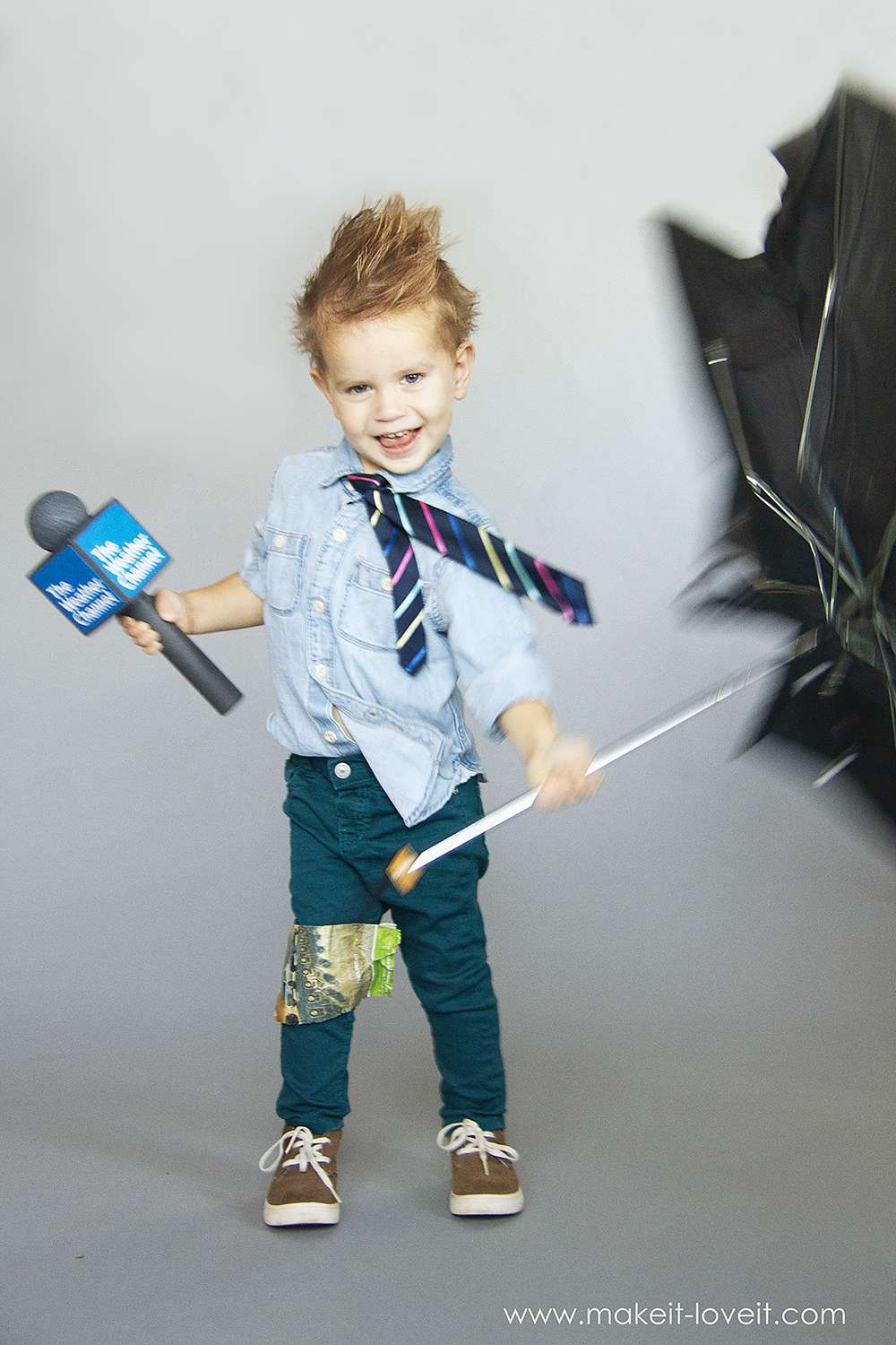 How to make a no sew weatherman costume 9